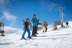 family-skiing-at-Glencoe